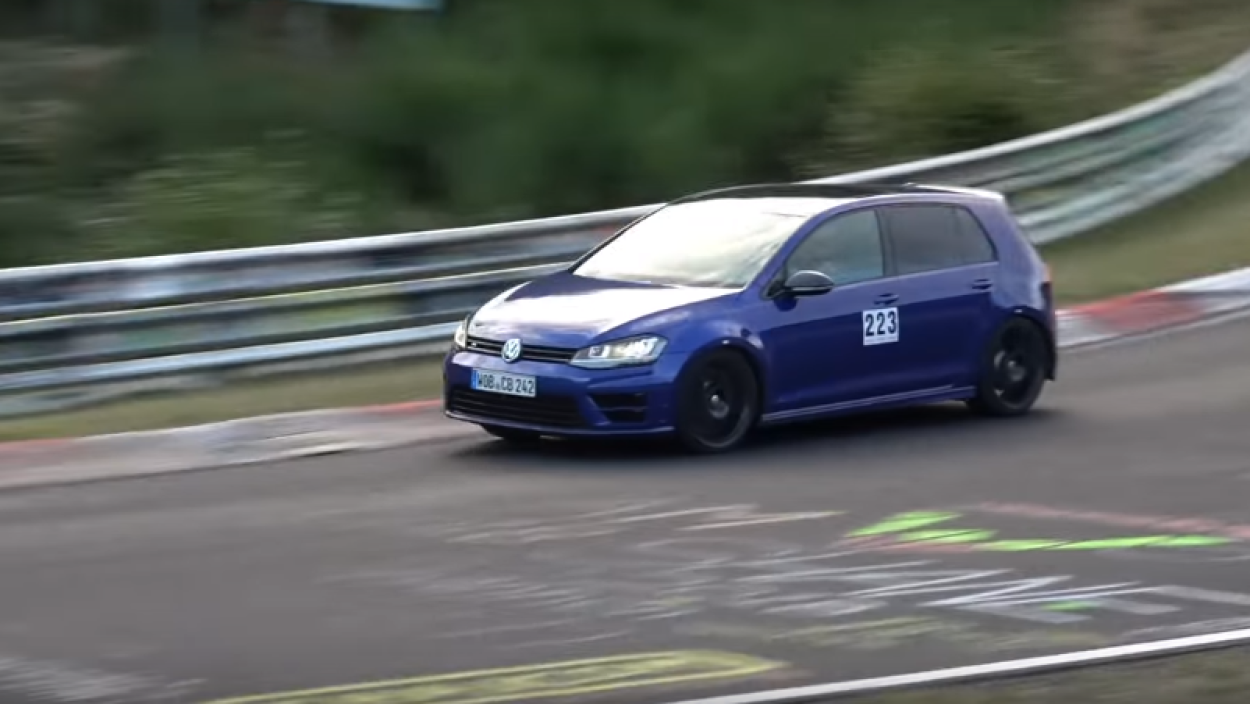 .Volkswagen Golf R420