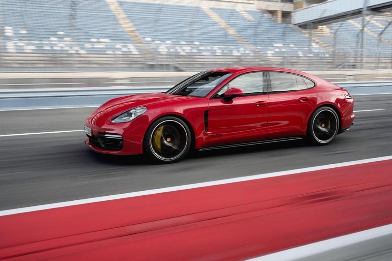 .Porsche Panamera GTS