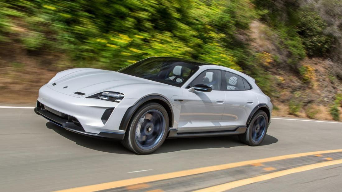 .Porsche Taycan Cross Turismo