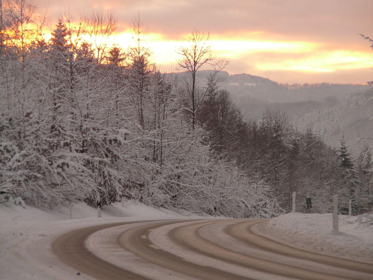.Libe tee, lumi