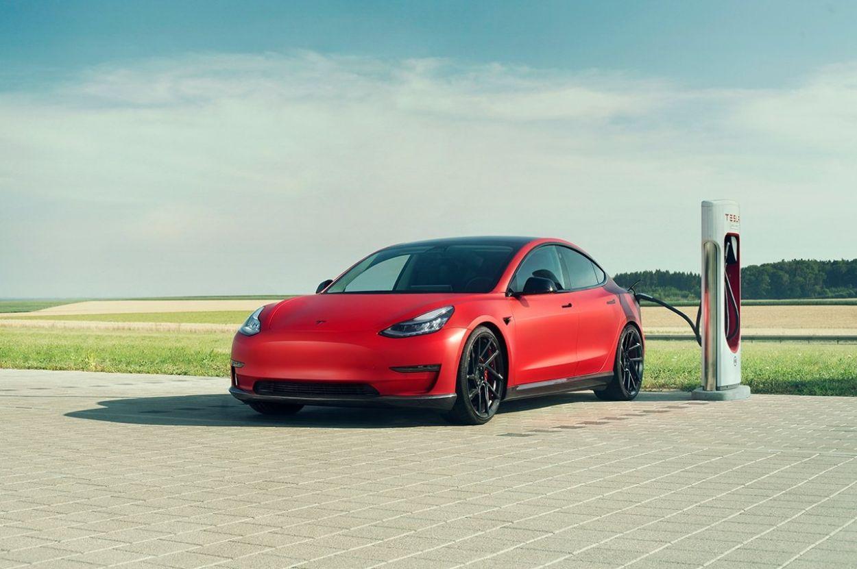.Tesla Model 3