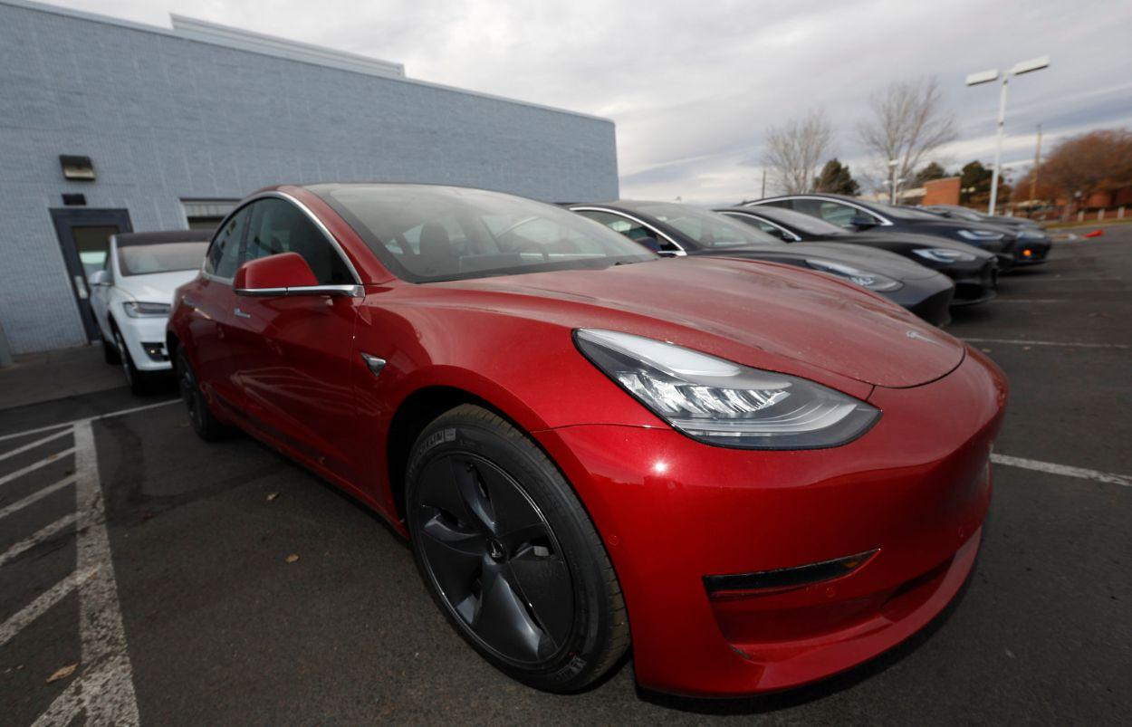 .Tesla