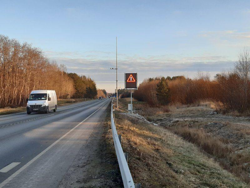 .Jõhvis asuv muutteabega infotabloo (Foto: Maanteeamet)