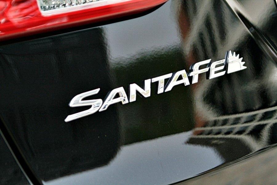 .Hyundai Santa Fe