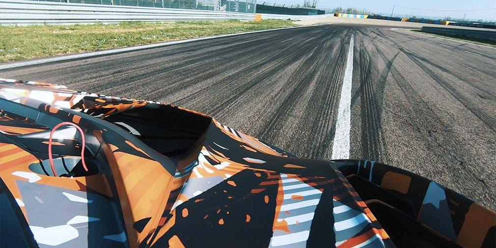 .Lamborghini V12