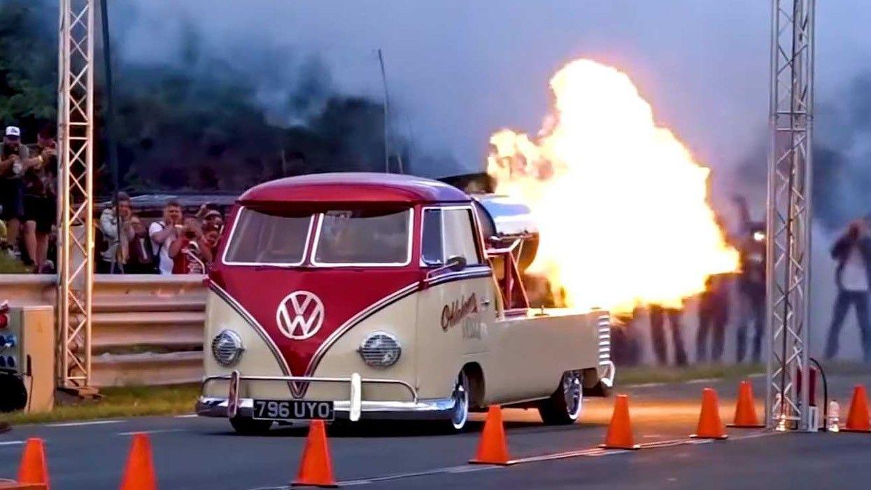 .Volkswagen Type 2