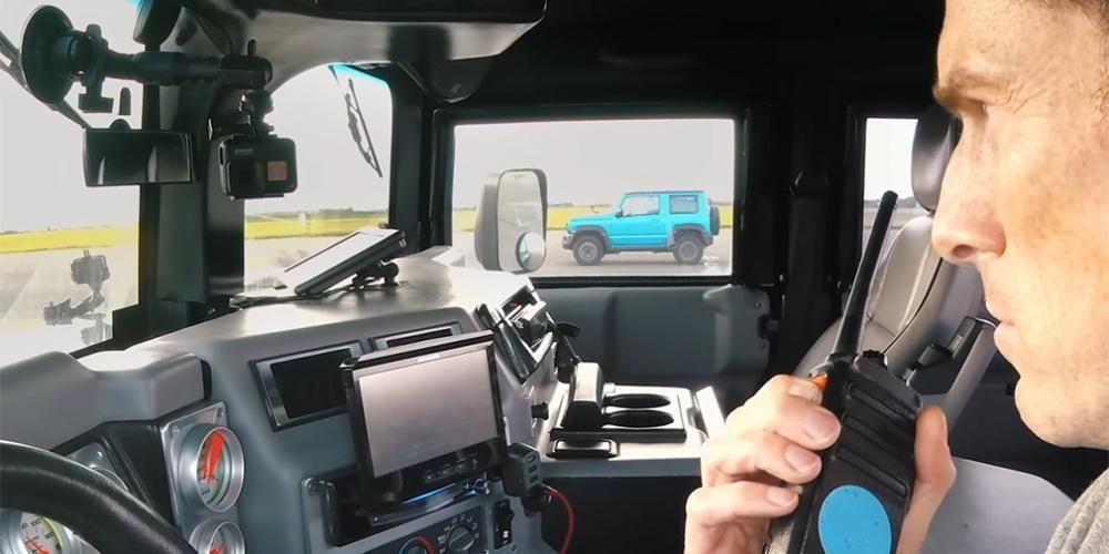 .Hummer H1 vs Suzuki Jimny