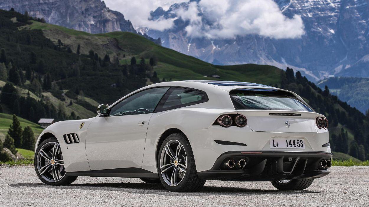 .Ferrari GTC4 Lusso