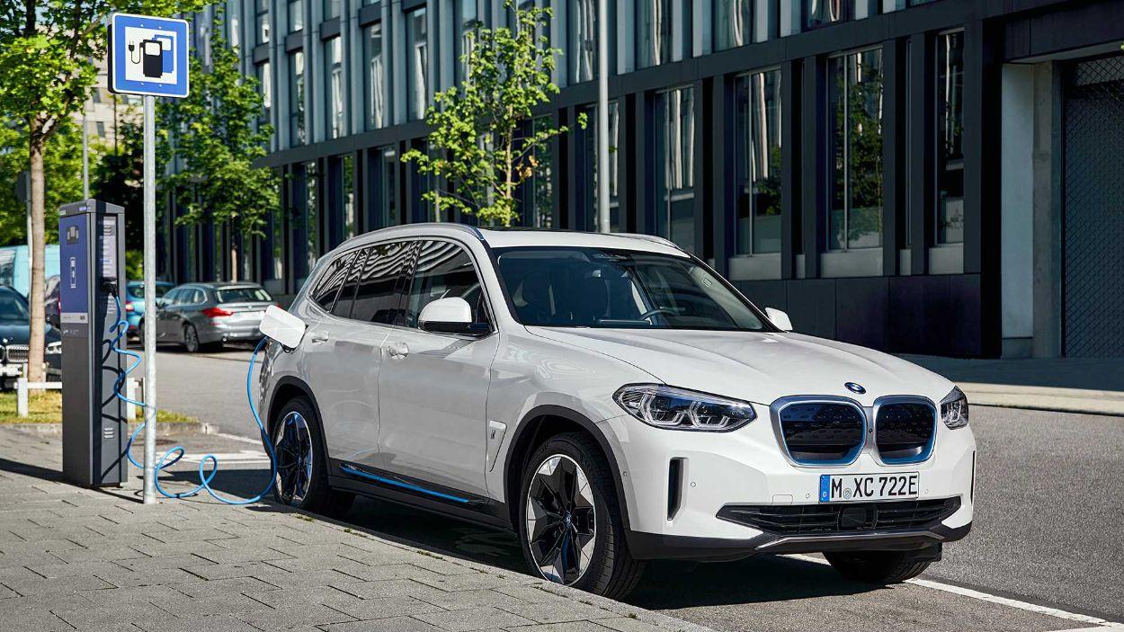 .BMW iX3