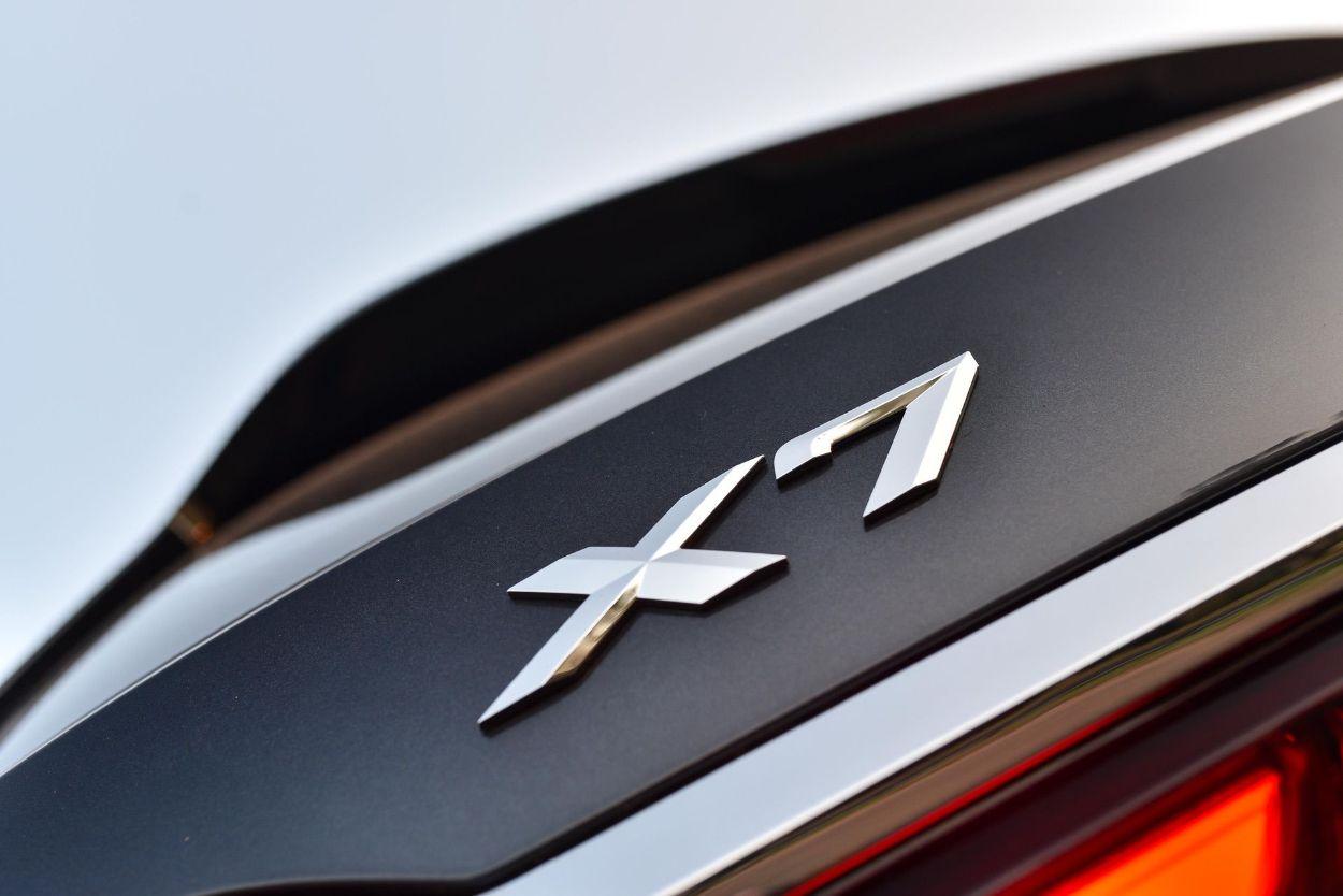 .BMW X7