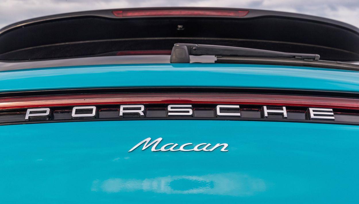 .Porsche Macan
